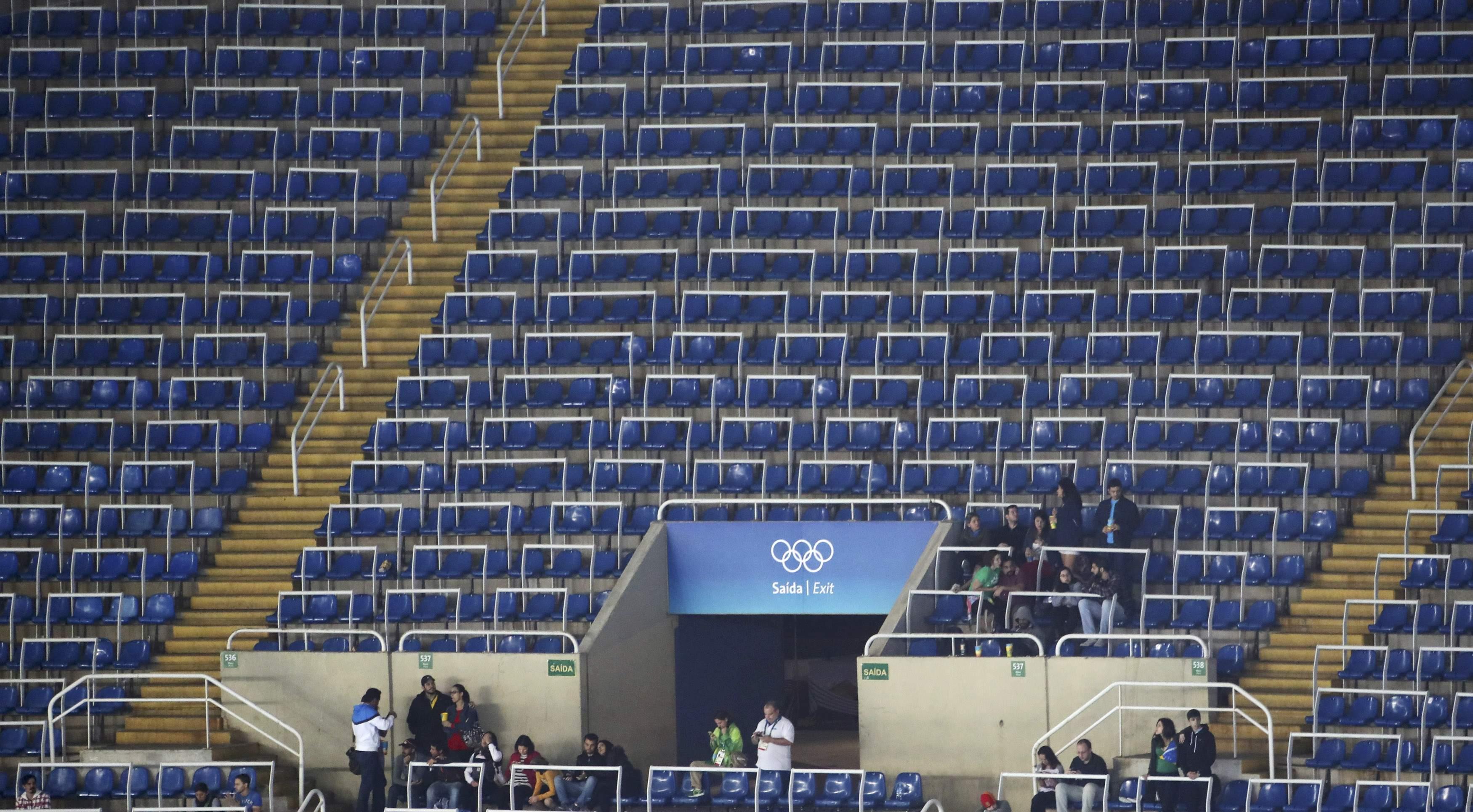 Ein Anblick, an den man sich in Rio gewöhnen musste. Die olympischen Sommerspiele verkaufen sich derart schlecht, dass sogar erwogen wird, Tickets gratis an Schulklassen abzugeben.