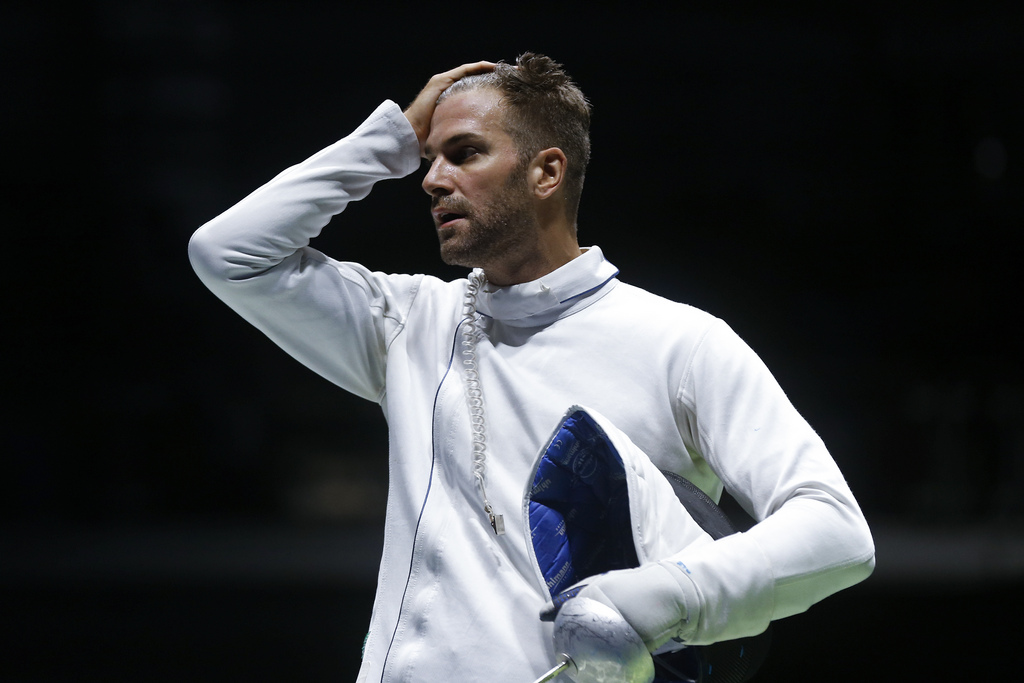 Switzerland's Benjamin Steffen reacts in the men�s Fencing Epee Team quarterfinal against Italy in the Carioca Arena 3 in Rio de Janeiro, Brazil, at the Rio 2016 Olympic Summer Games, pictured on Sunday, August 14, 2016. (KEYSTONE/Peter Klaunzer)