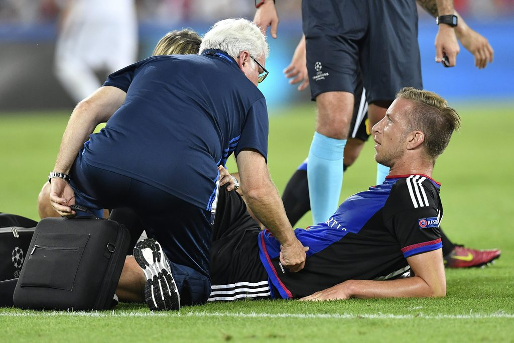 epa05538358 Basel's Marc Janko lies on the pitch during the UEFA Champions League Group A match between FC Basel 1893 and PFC Ludogorets Razgrad at the St. Jakob-Park stadium in Basel, Switzerland, 13 September 2016. EPA/PETER SCHNEIDER