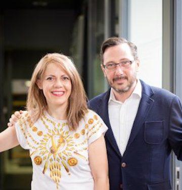 Das erfolgreiche Paar: Elisabeth E. Daravelis und Yannis Papoutsas.