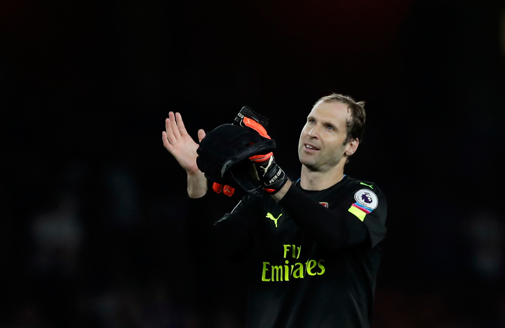 Arsenal goalkeeper Petr Cech applauds the supporters at the end of the English Premier League soccer match between Arsenal and Chelsea at the Emirates Stadium in London, Saturday, Sept. 24, 2016. Arsenal won 3-0. (AP Photo/Matt Dunham)