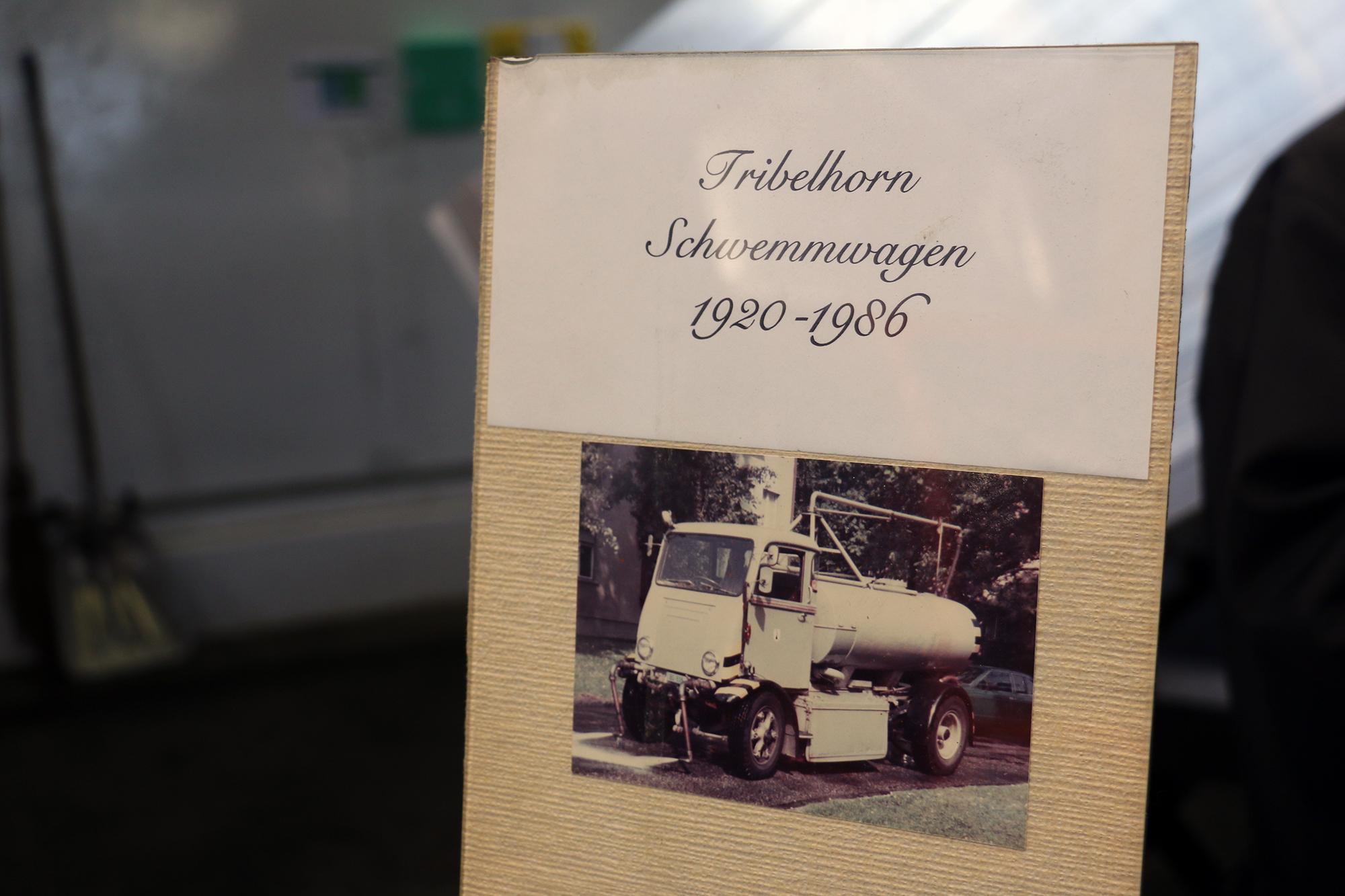 Seit 1920 betreibt das Tiefbauamt elektrisch betriebene Fahrzeuge. Diese Tribelhorn-Flotte war bis 1966 in Betrieb.