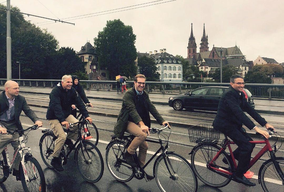 Endlich Inhalte: Das bürgerliche Quartett fährt Velo.