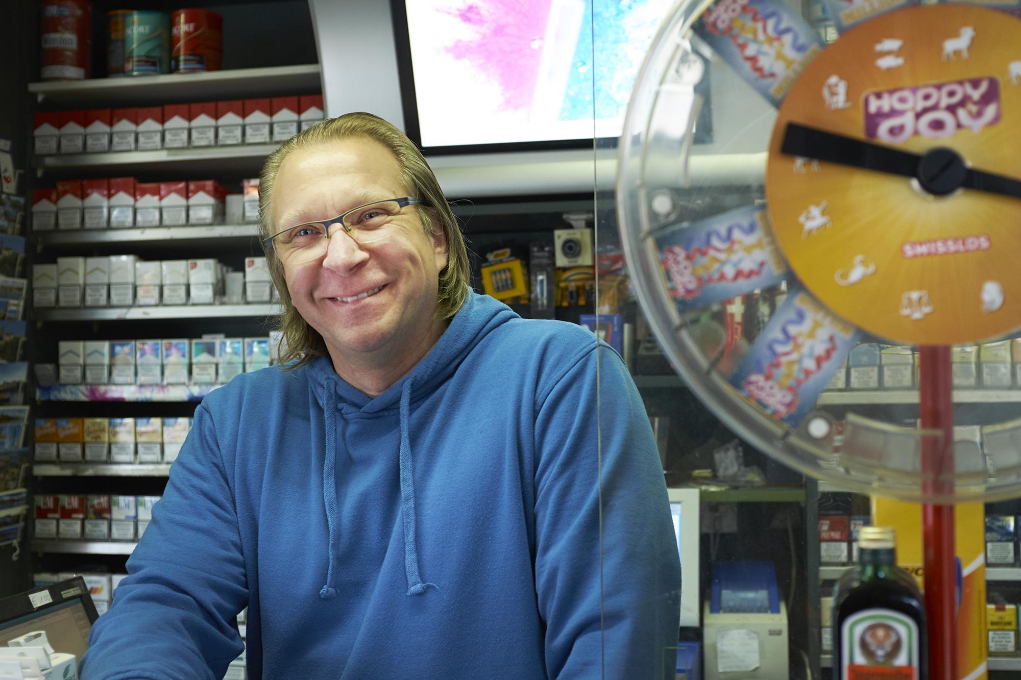 «Zeitungen an den Mann zu bringen, wird immer schwieriger», sagt der Kioskbesitzer Kurt Gasser.