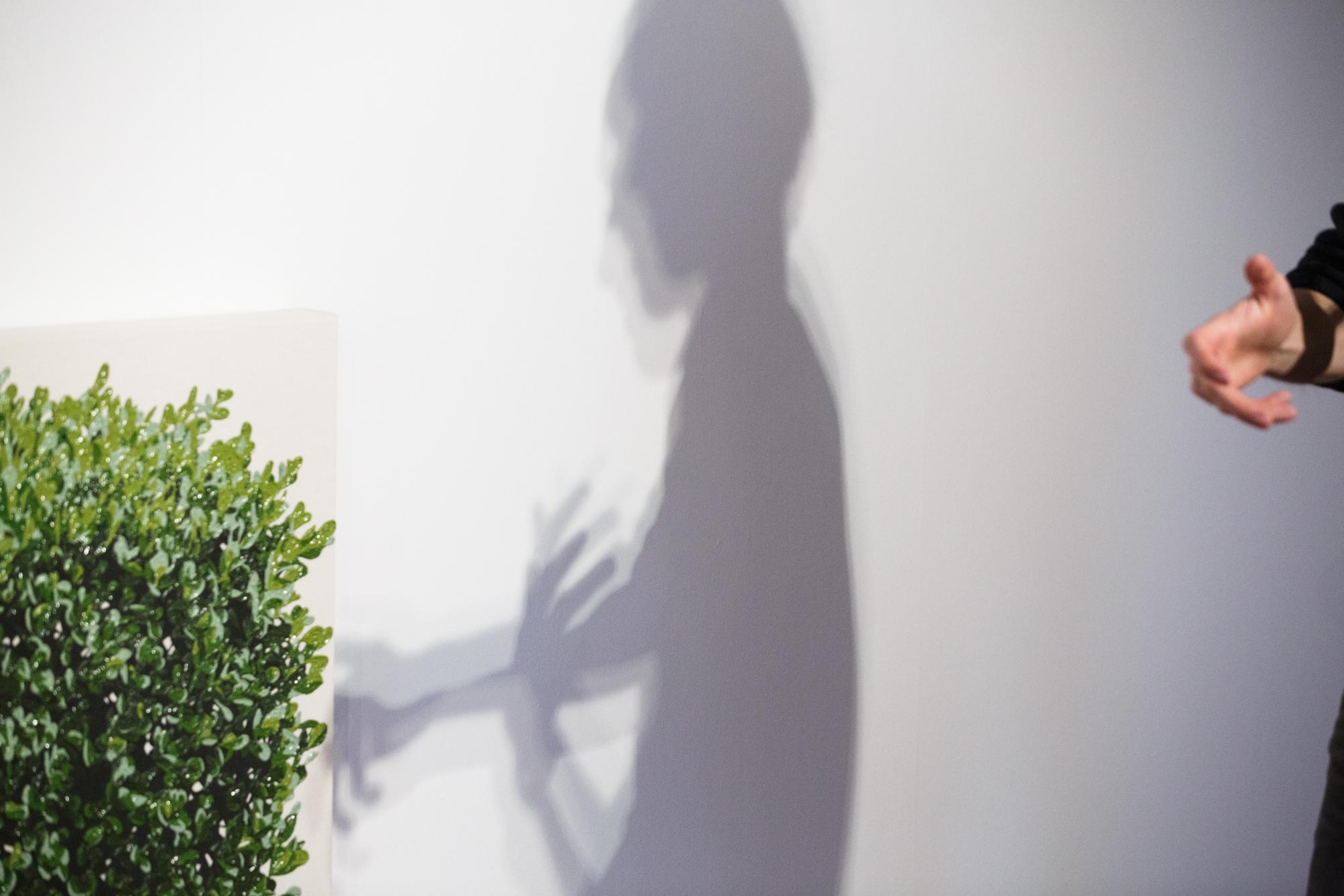 «Ich mag Objekte mit Objektcharakter»: Vincent Kriste, in Erklär-Aktion.
