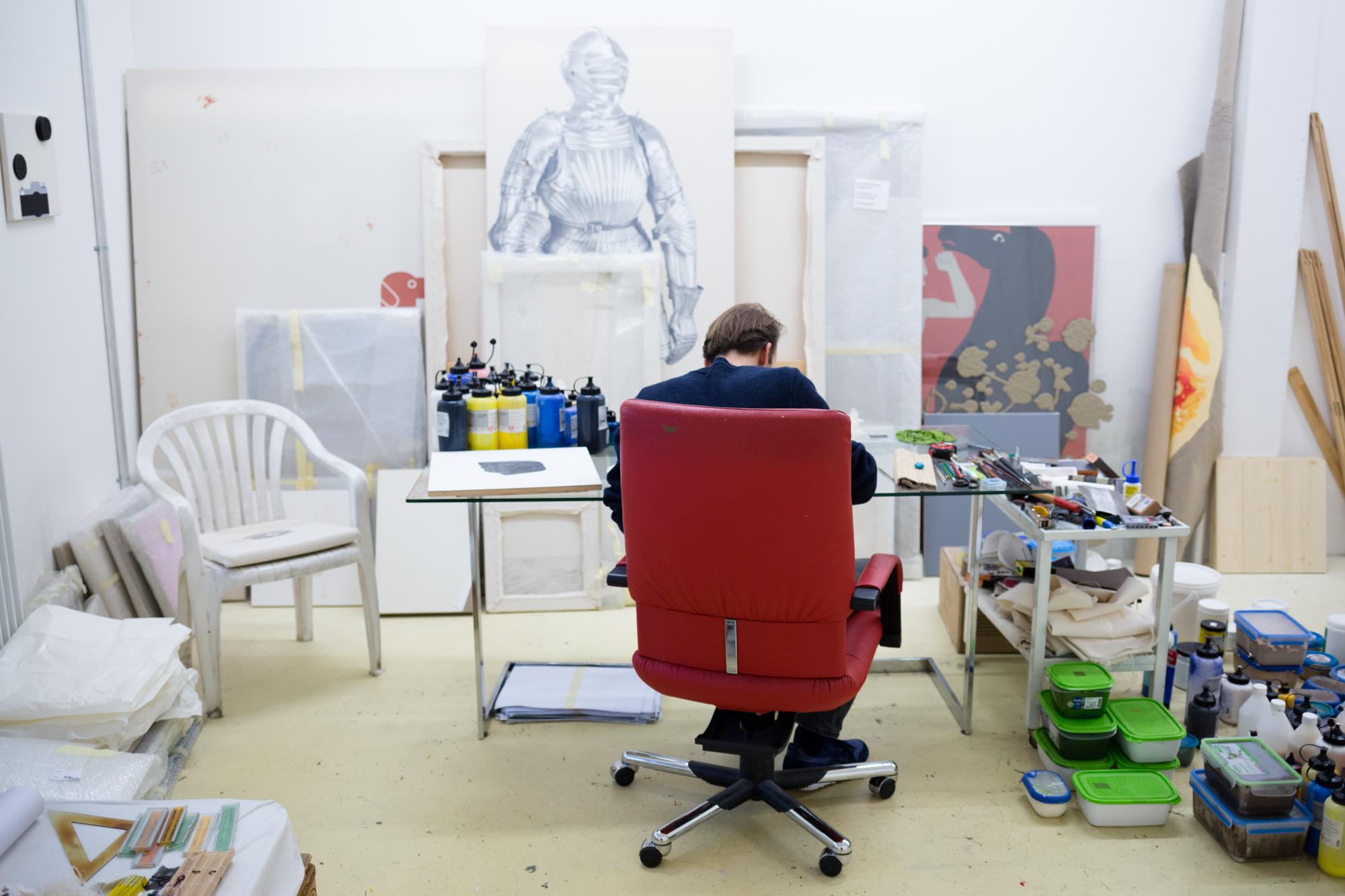 Ganz schön strukturiert: Vincent Kriste in seinem Atelier im Oslo am Dreispitz.