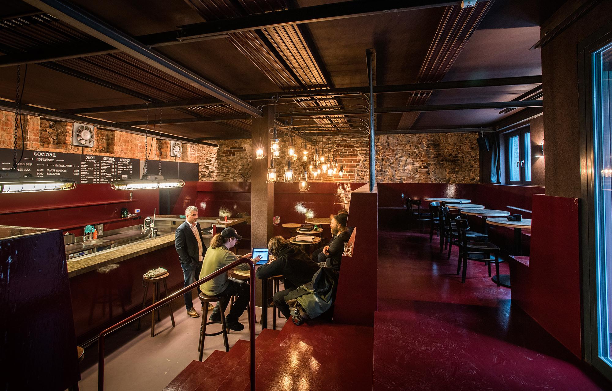 Die Irrsinn Bar im Kleinbasel eröffnet wieder nach Umbau – in ...