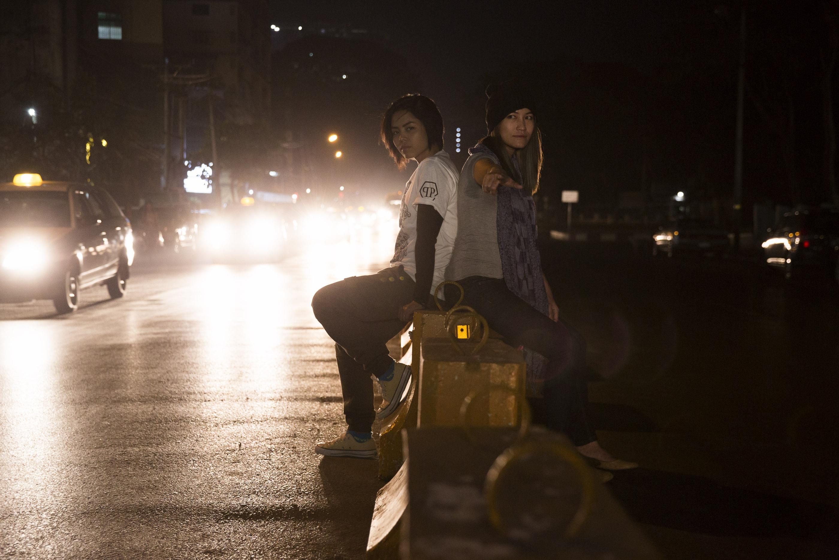 «Immer mehr junge Leute hören Hip-Hop. So finden wir Gehör und können Myanmar bewegen»: Rapperinnen T-Zin und Triple-A.