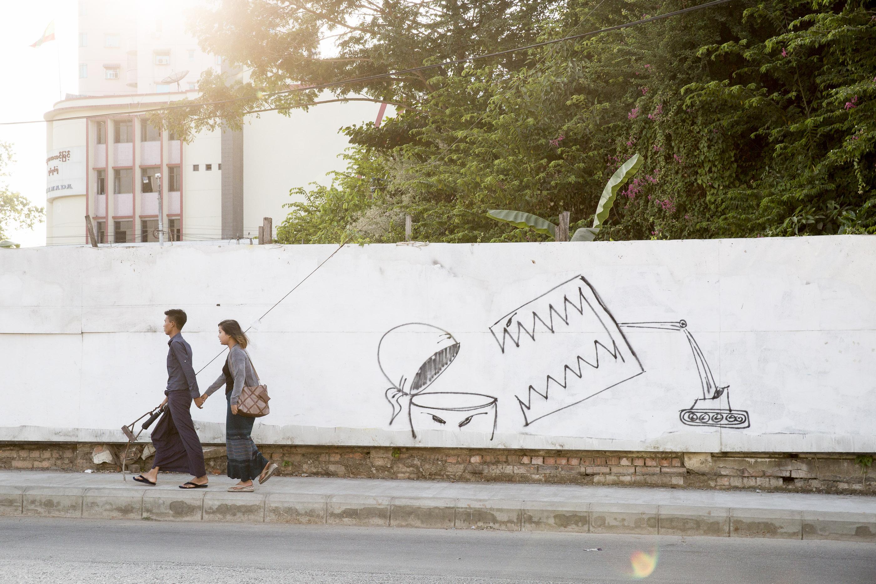Kampf gegen Missstände:Thaiddhis Graffitis gegen den grassierenden Bau-Boom.