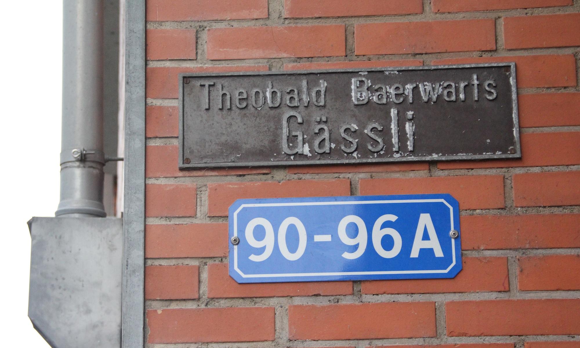 Theobald Baerwart schwärmte einst in seinen Memoiren von einem wilden Gässlein seiner Kindertage. Ein inoffizielles Strassenschild im Rosentalquartier erinnert noch daran.