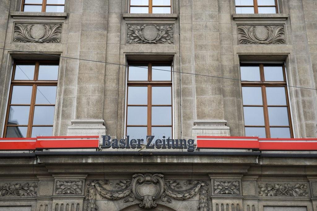 Gebaeude und Logo der Basler Zeitung am Aeschenplatz in Basel, am Montag, 22. November 2010. (KEYSTONE/Georgios Kefalas)