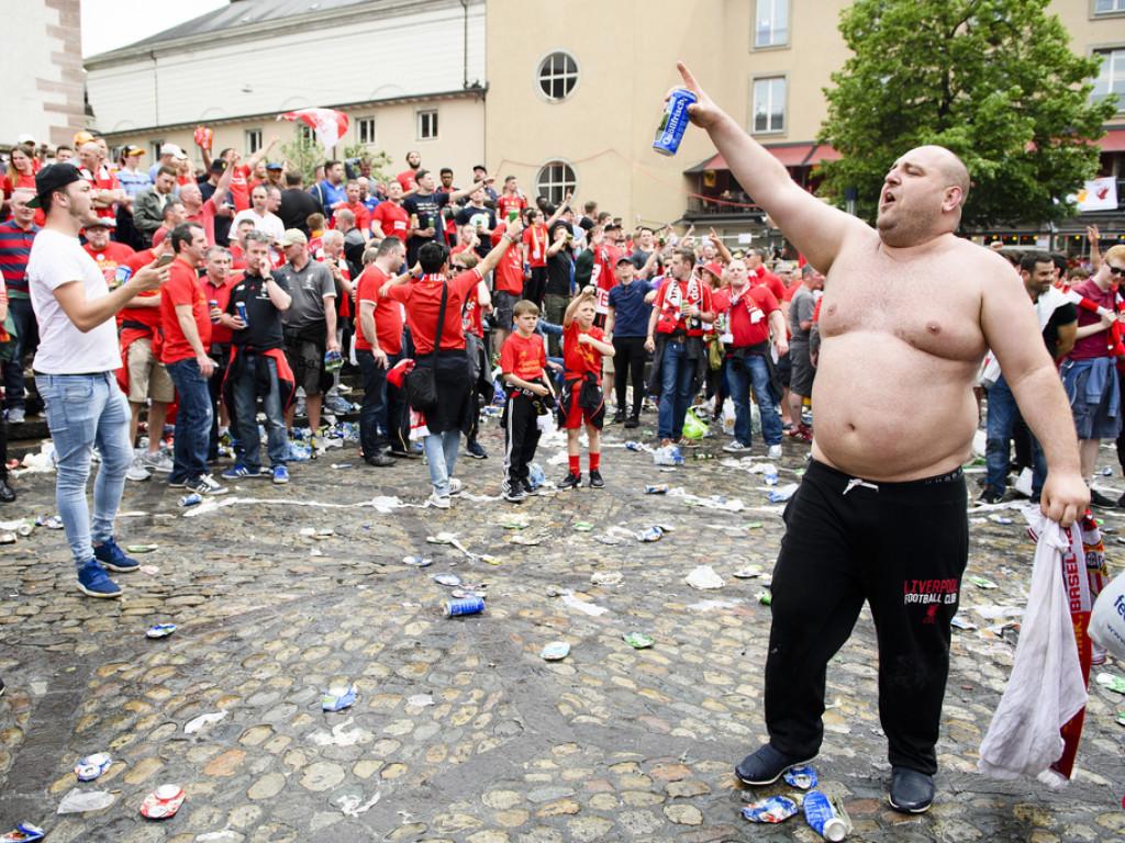 Vor dem Anpfiff des Europa League-Finalspiels waren Liverpool-Fans auf dem Basler Barfüsserplatz beim Public Viewing noch au
