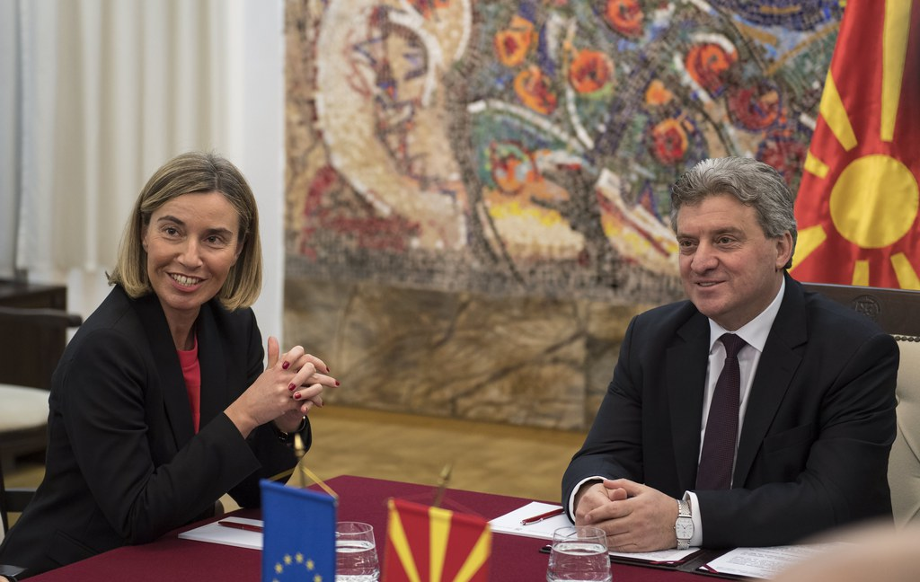 epa05825191 Federica Mogherini (L), the High Representative of the European Union for Foreign Affairs and Security Policy talks with Macedonian President George Ivanov (R) during her visit to Skopje, The Former Yugoslav Republic of Macedonia, 02 March 2017. Mogherini is visiting Macedonia during her Western Balkan tour. EPA/GEORGI LICOVSKI