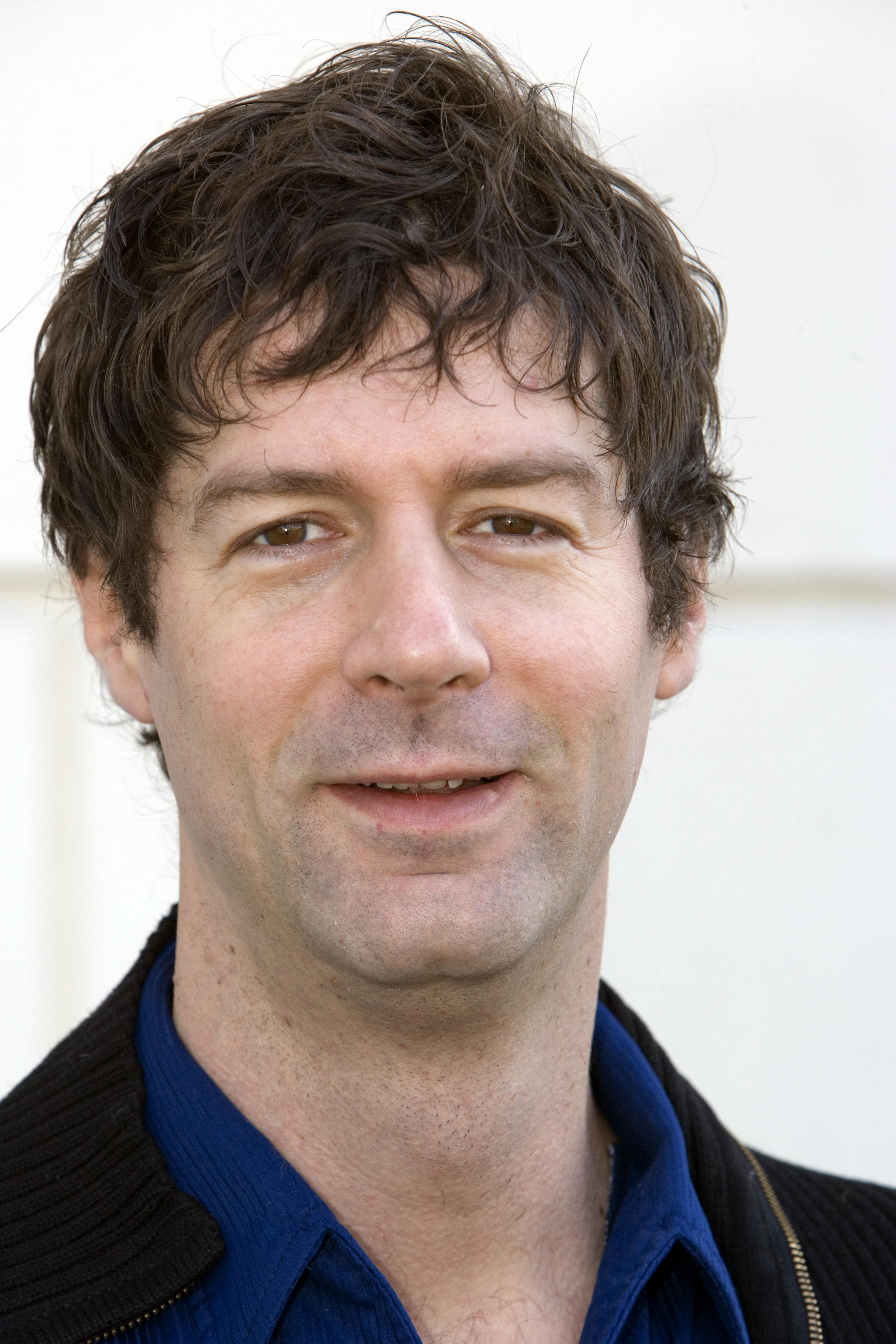 Christoph Moerikofer (*1964) ist Schauspieler, Regisseur und Hochschul-Dozent. Er hat zusammen mit zwei Mitstreitern den Verein «Zukunft.Klybeck» gegründet, um der Mitsprache der Bevölkerung beim Planungsprozess Klybeck plus mehr Gewicht zu verleihen.