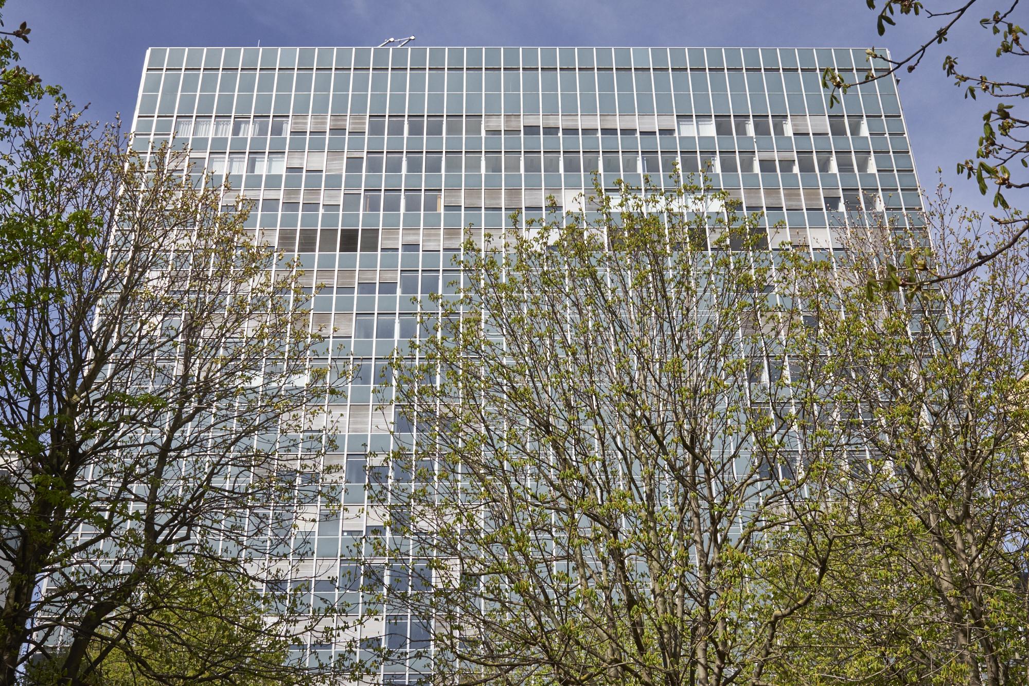 Das Novartis-Hochhaus am Rhein bleibt Novartis-Hochhaus als «Überlaufgefäss» für den Campus auf der anderen Rheinseite