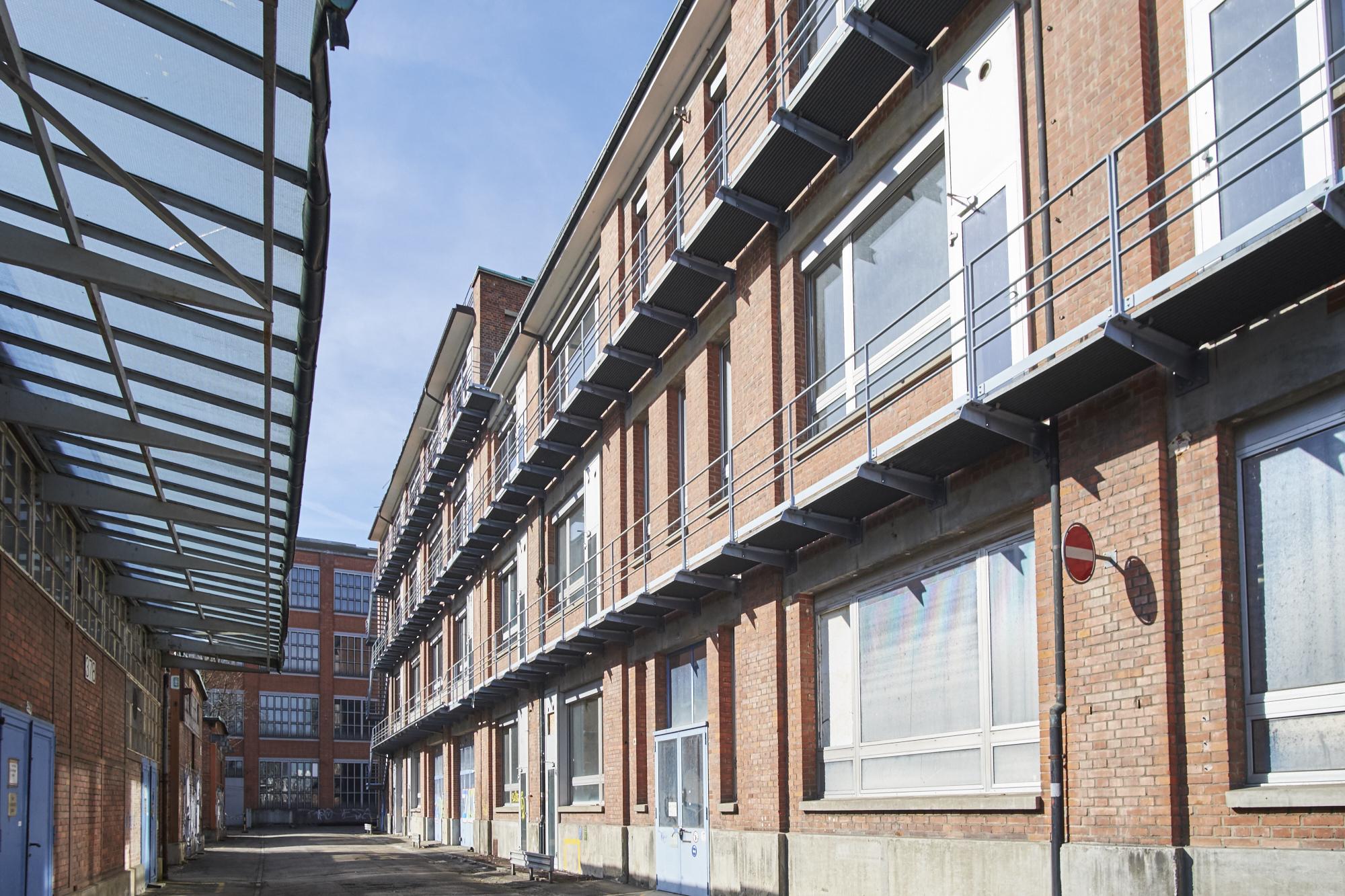 Produktionsgebäude aus den 1940er- und 50er-Jahren verströmen Industrieromantik.