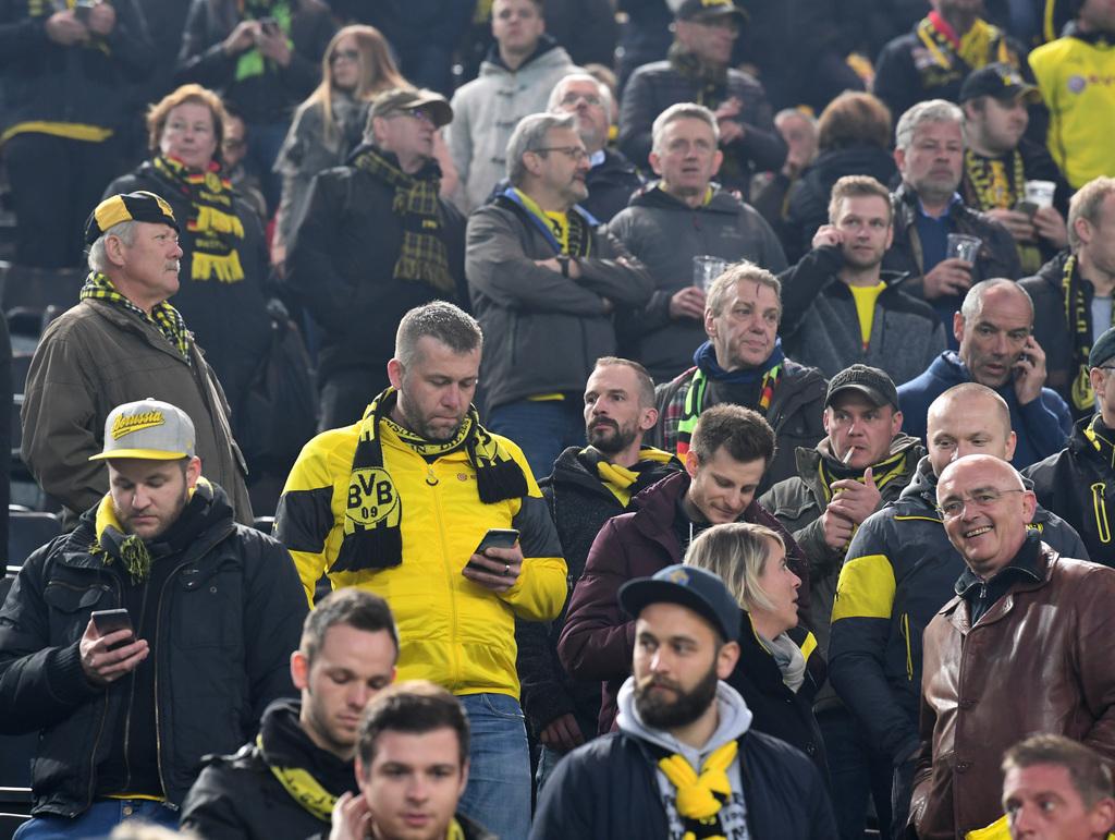 Fu�ball: Champions League, Borussia Dortmund - AS Monaco, K.o.-Runde, Viertelfinale, Hinspiele am 11.04.2017 im Signal Iduna Park in Dortmund (Nordrhein-Westfalen). Fans von Borussia Dortmund im Stadion. (KEYSTONE/DPA/A3730/_Federico Gambarini)