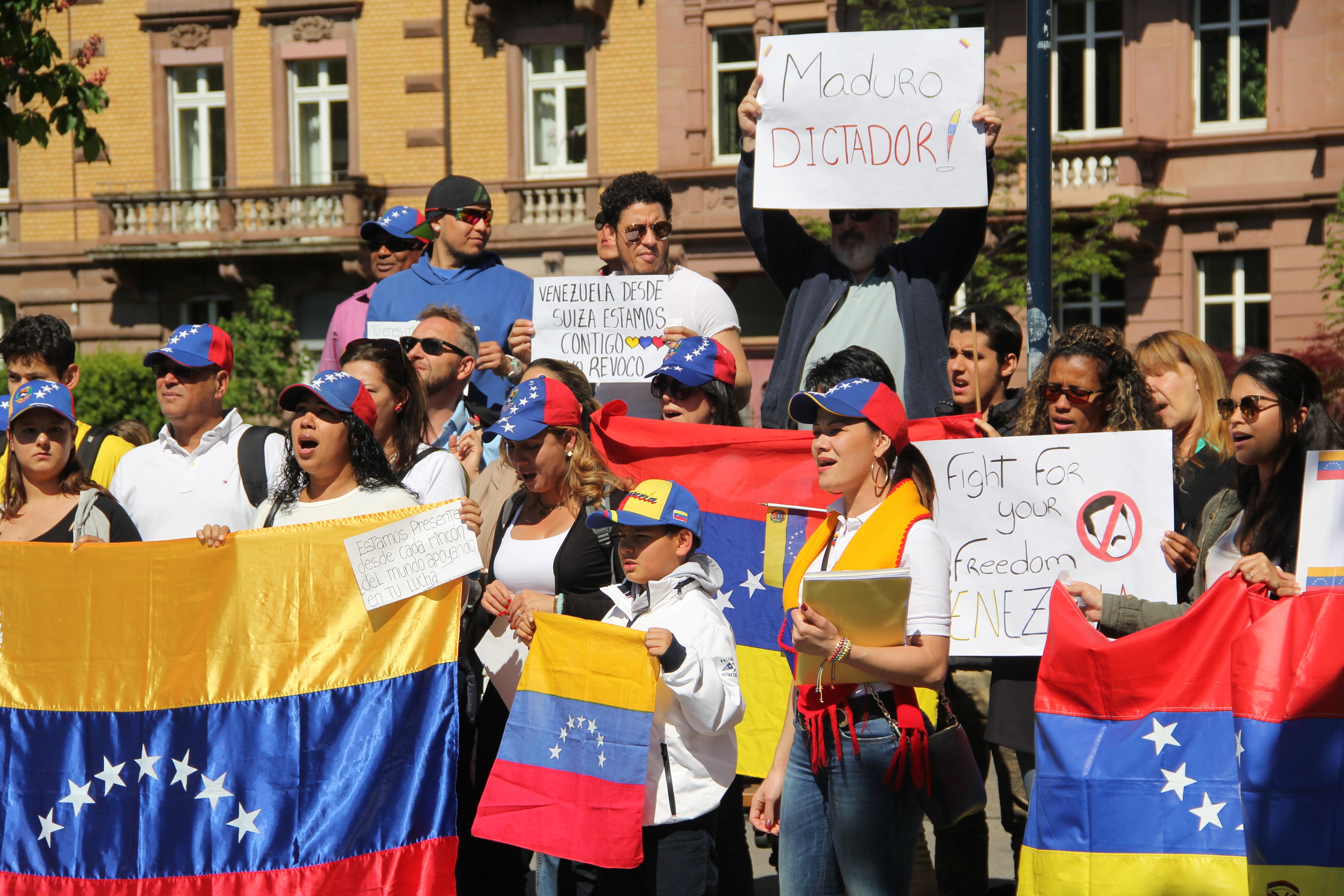 Für den Frieden, gegen Maduro. Die Demonstranten solidarisieren sich mit den Protesten in Venezuela.