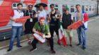 Weite Reise bis Sotschi: Mexikanische Fans und einheimische Volunteers beim Confed Cup, dem Vorbereitungsturnier zur WM 2018
