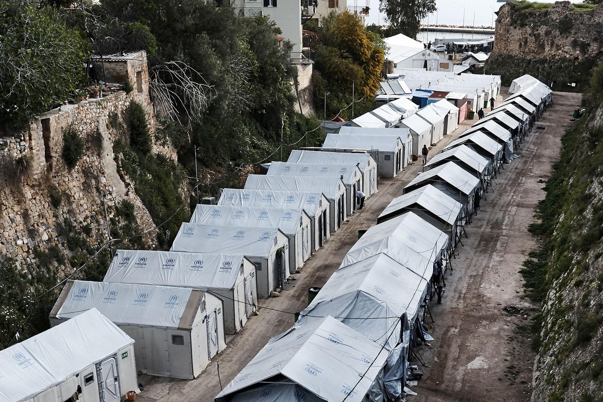 Jeder verfügbare Raum wird genutzt: Die eigentliche Ferieninsel Chios wird durch die Flüchtlingskrise stark belastet und erfährt zu wenig Unterstützung.