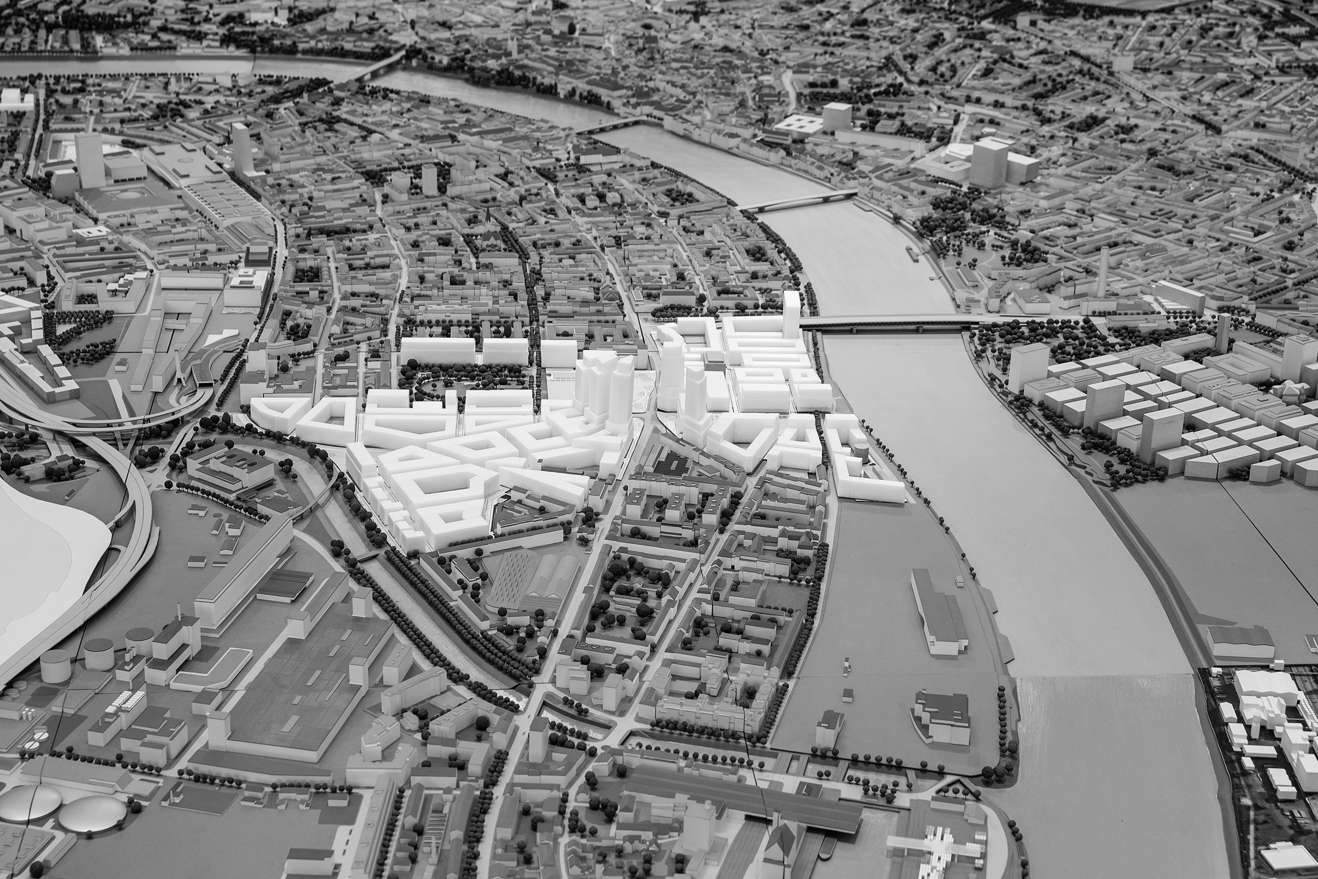 Das Teams rund um Hans Kollhoff aus Berlin will den Horburgpark vergrössern und einen grossen Bootshafen ausheben.