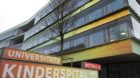 Hinweisschilder des neuen UKBB Spitalstrasse in Basel am Samstag, 29. Januar 2011. Das Universitaets-Kinderspital beider Base