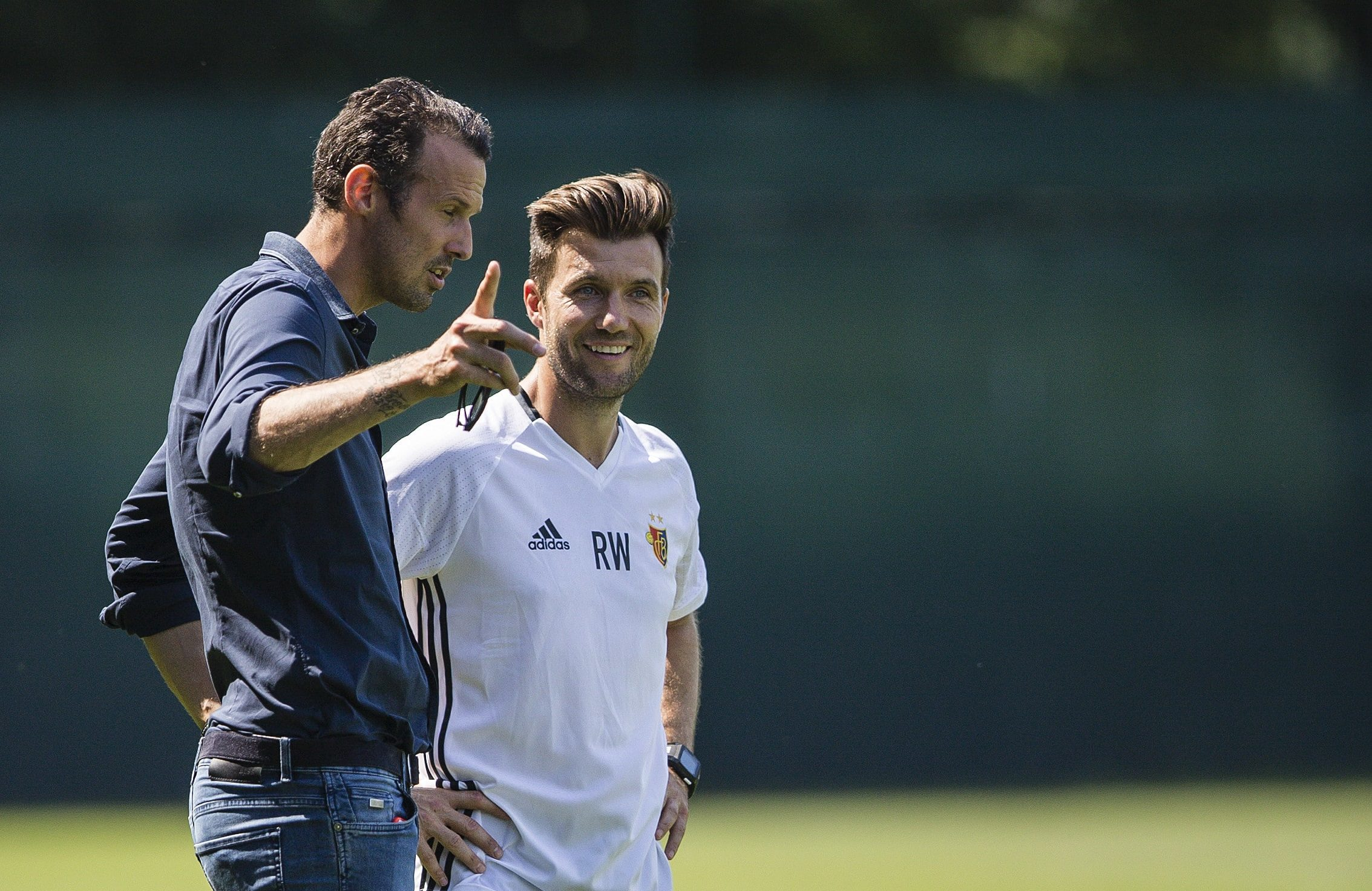 Basel, 22.6.2017 - Fussball Super League - Trainingsauftakt FC Basel, Sportchef Marco Streller und Trainer Raphael Wicky (Ste