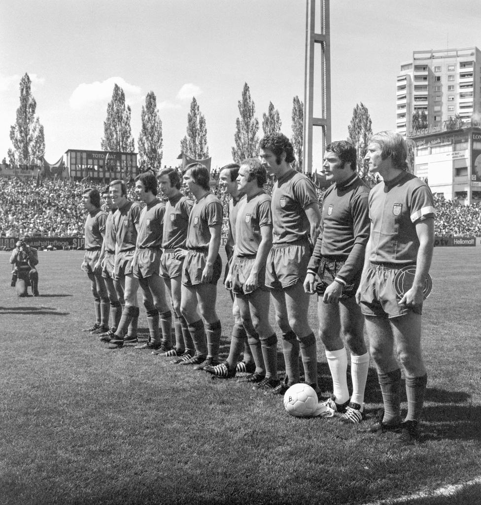 ARCHIVBILD ZUM TOD DES EX-FCB-GOALIES MARCEL KUNZ, AM MONTAG, 24. JULI 2017 – Die Mannschaft des FC Basel mit, von links nac