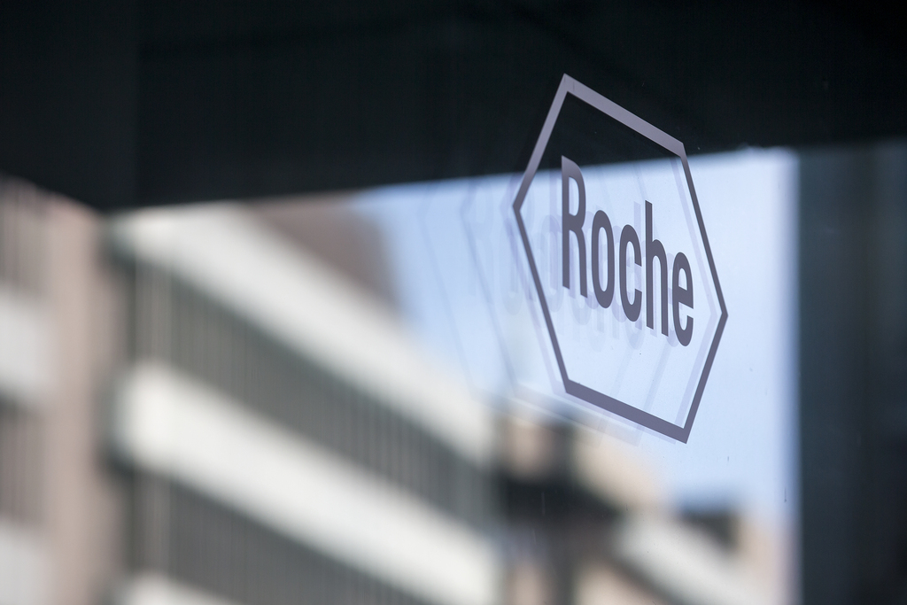 ARCHIVBILD ROCHE STEIGERT REINGEWINN UM 2 PROZENT - The logo of the pharmaceutical company Roche pictured during the annual b