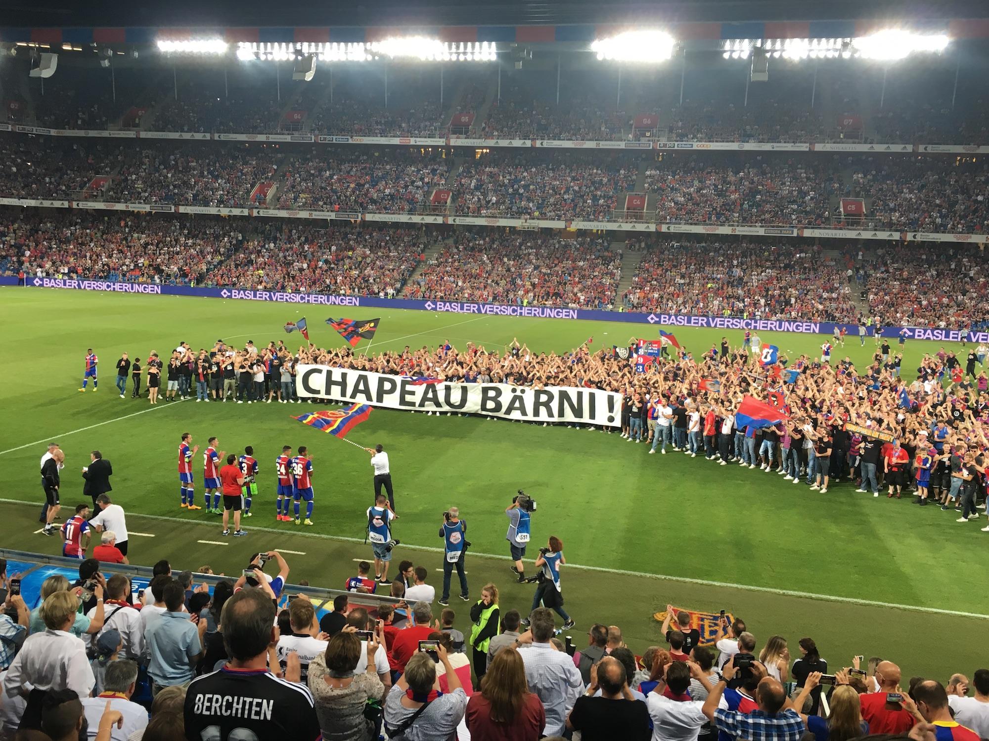 FCB-Präsident Bernhard Heusler freute sich über die Aktion der Fans.