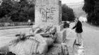"""Das Denkmal des unbekannten Schweizer Soldaten """"le Fritz"""" in Les Rangiers wurde in einer naechtlichen Aktion von den jurassis"""