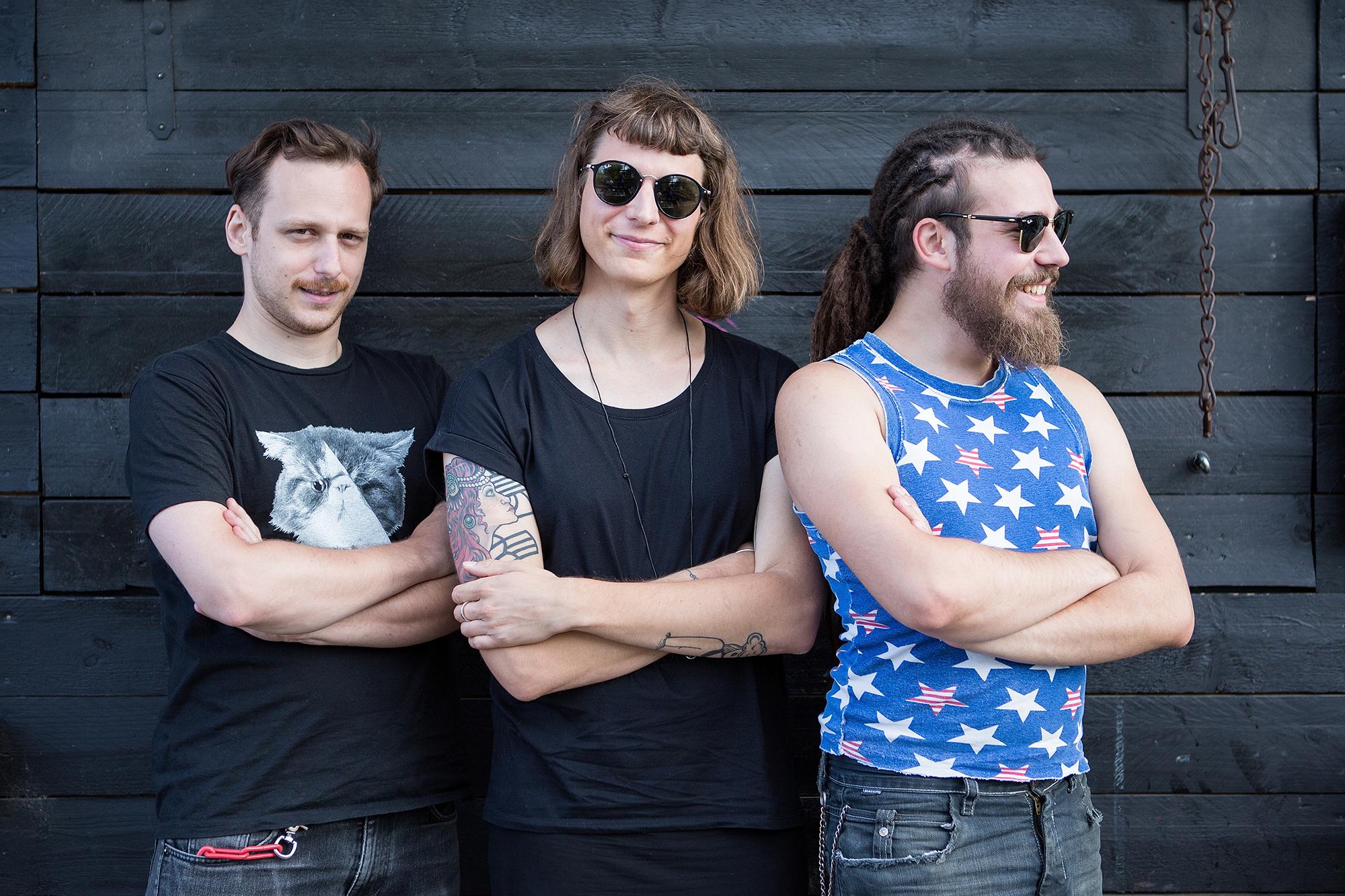 Von links nach rechts: Sandro Miescher, Robyn Trachsel und Luca Piazzalonga geben einer Basler Subkultur ein eigenes Heft.