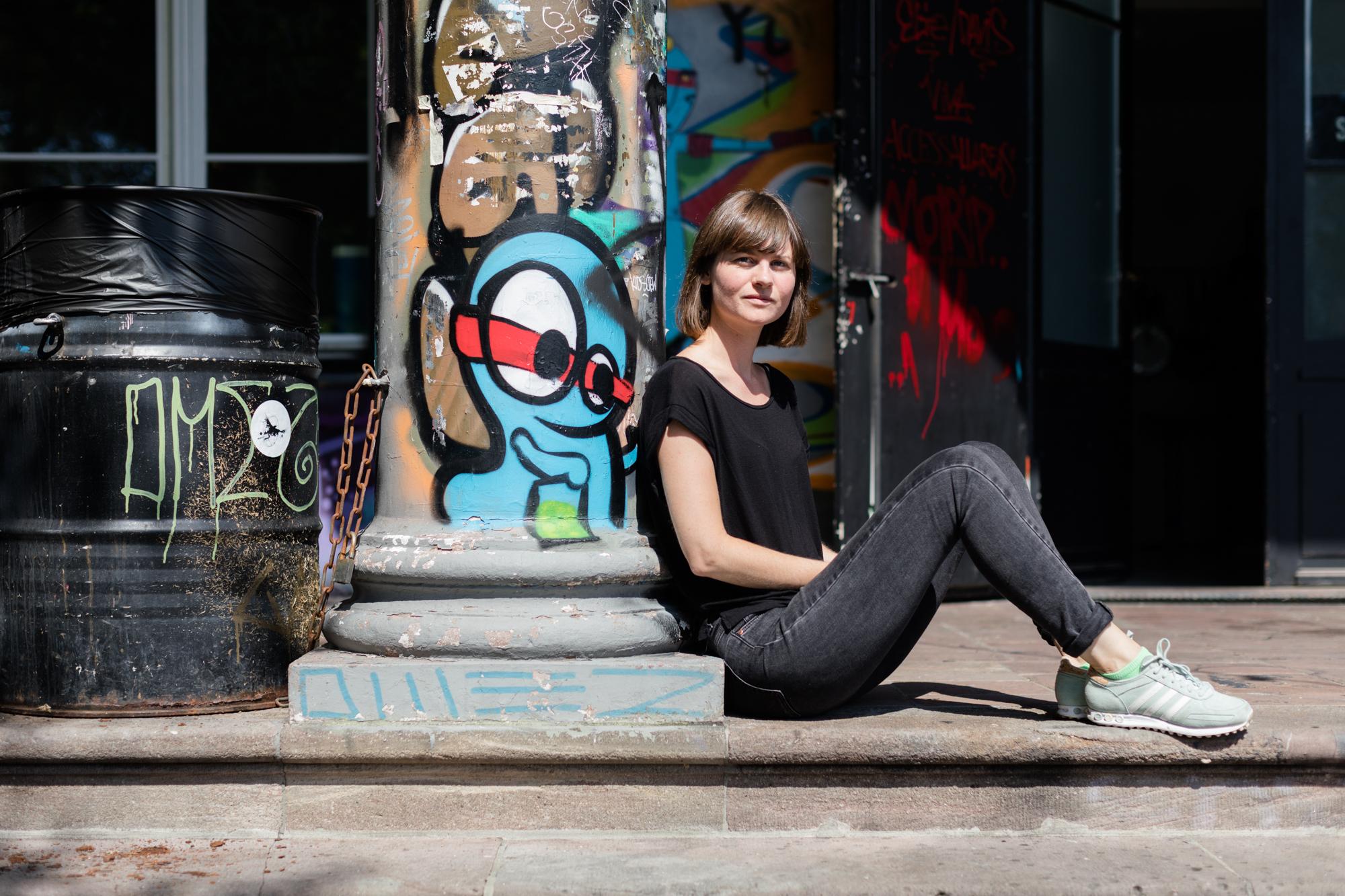 Sarah Buser hat ihr Büro vom Treibstoff Festival beim Sommercasino.