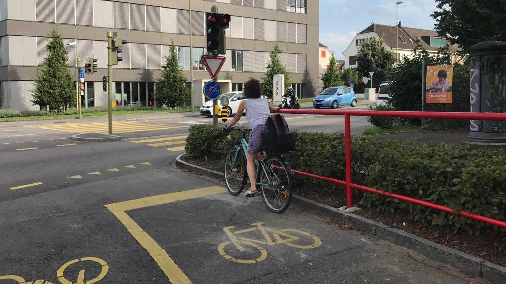 Baselland testet ein Geländer: Die «Alternative zum Fussabstellen» gibts in Münchenstein und in Muttenz an jeweils einer
