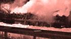 LKW ausgebrannt, Wiese verschmutzt –ein Unfall in Steinen (D) hat Folgen für Basel. (Symbolbild)
