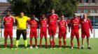 Die Schweizer Nationalmannschaft der Obdachlosen beim Teambild vor dem Spiel