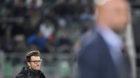 Basels Trainer Raphael Wicky, links, im Vordergrund St. Gallens Trainer Giorgio Contini, im Fussball Super League Spiel zwisc