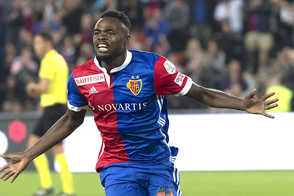 Basels Dimitri Oberlin jubelt ueber sein 1:0 im Fussball Meisterschaftsspiel der Super League zwischen dem FC Basel 1893 und