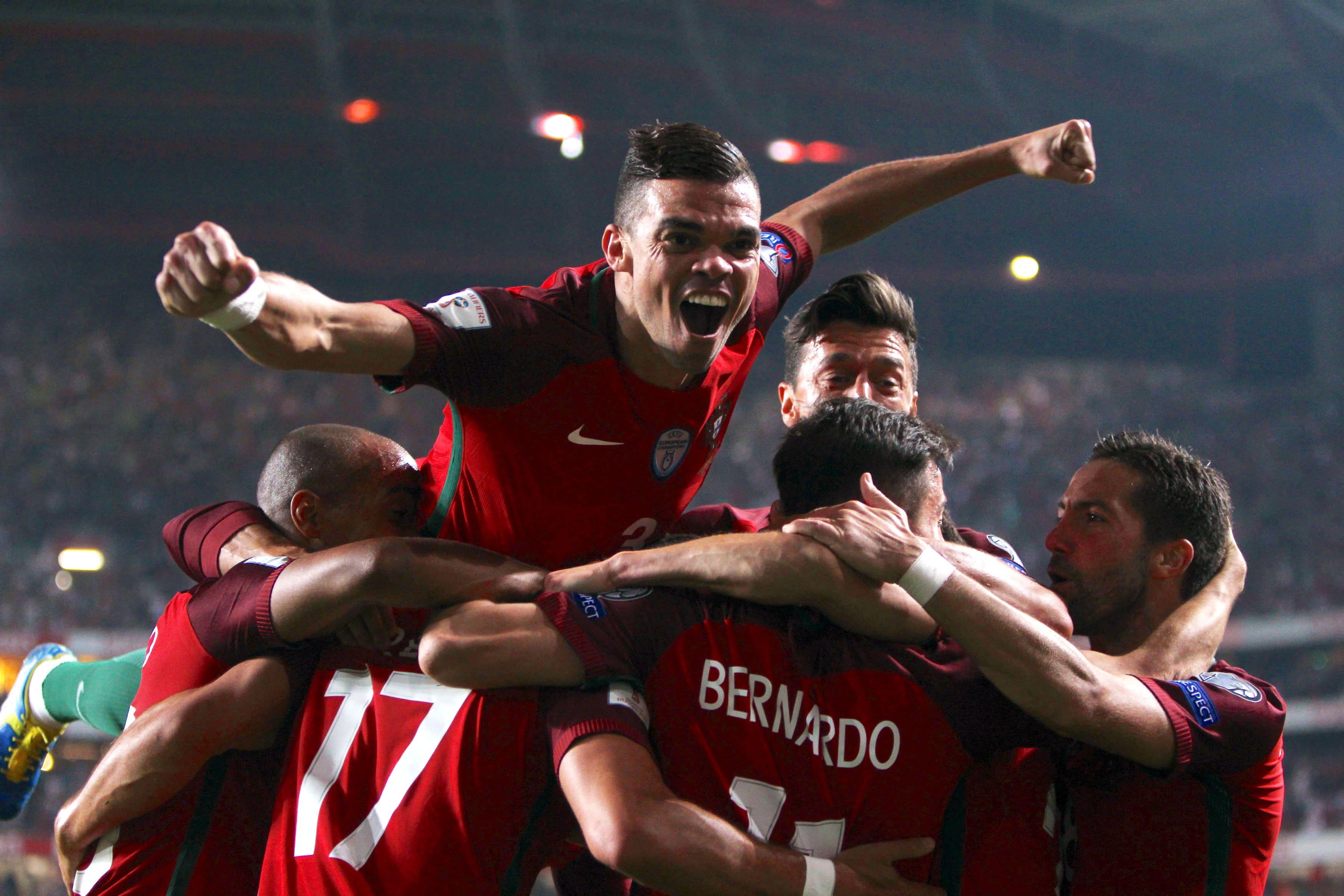 Soccer Football - 2018 World Cup Qualifications - Europe - Portugal vs Switzerland - Estadio da Luz, Lisbon, Portugal - Octob