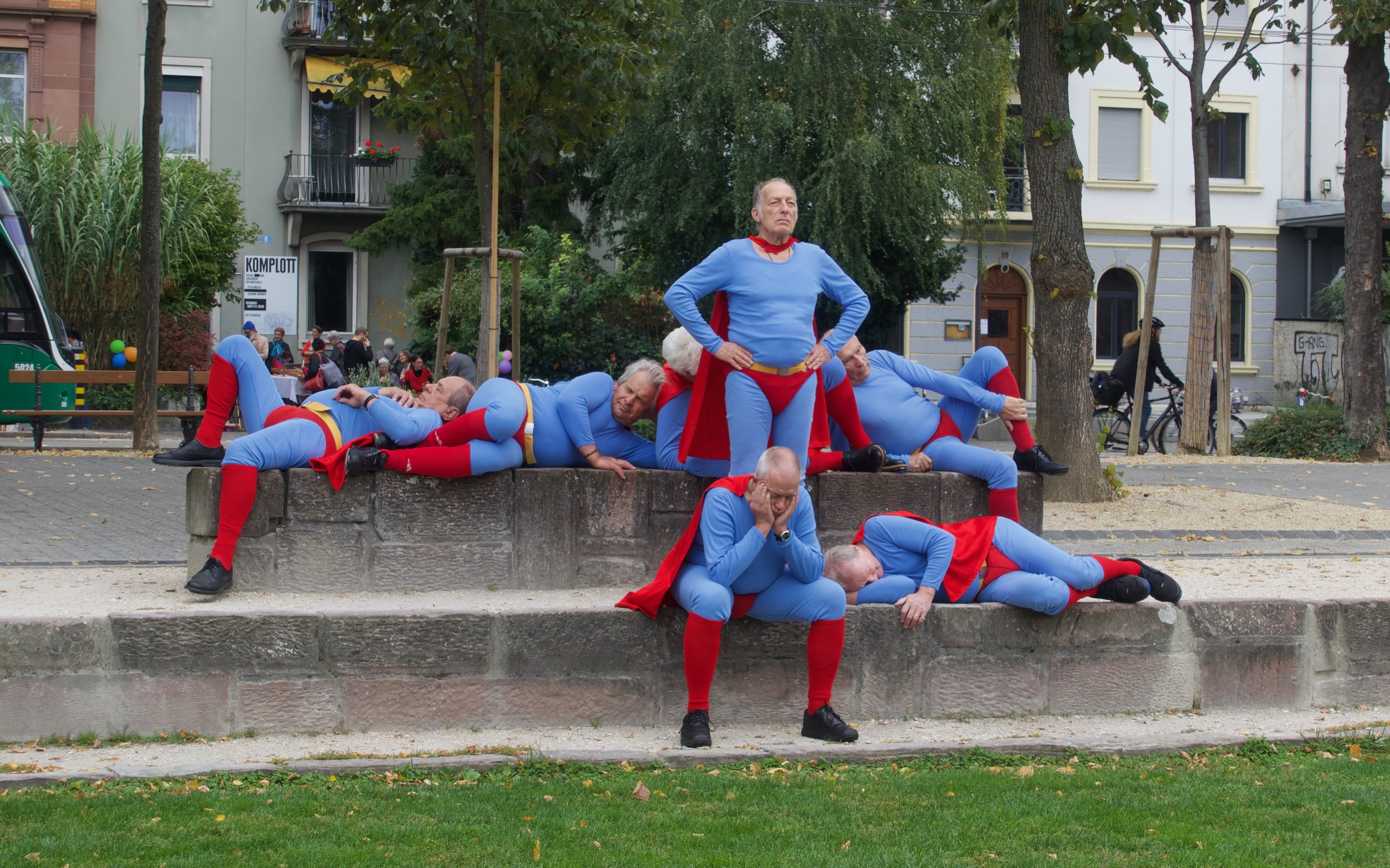 «Blue Tired Heroes» von Massimo Furlan.