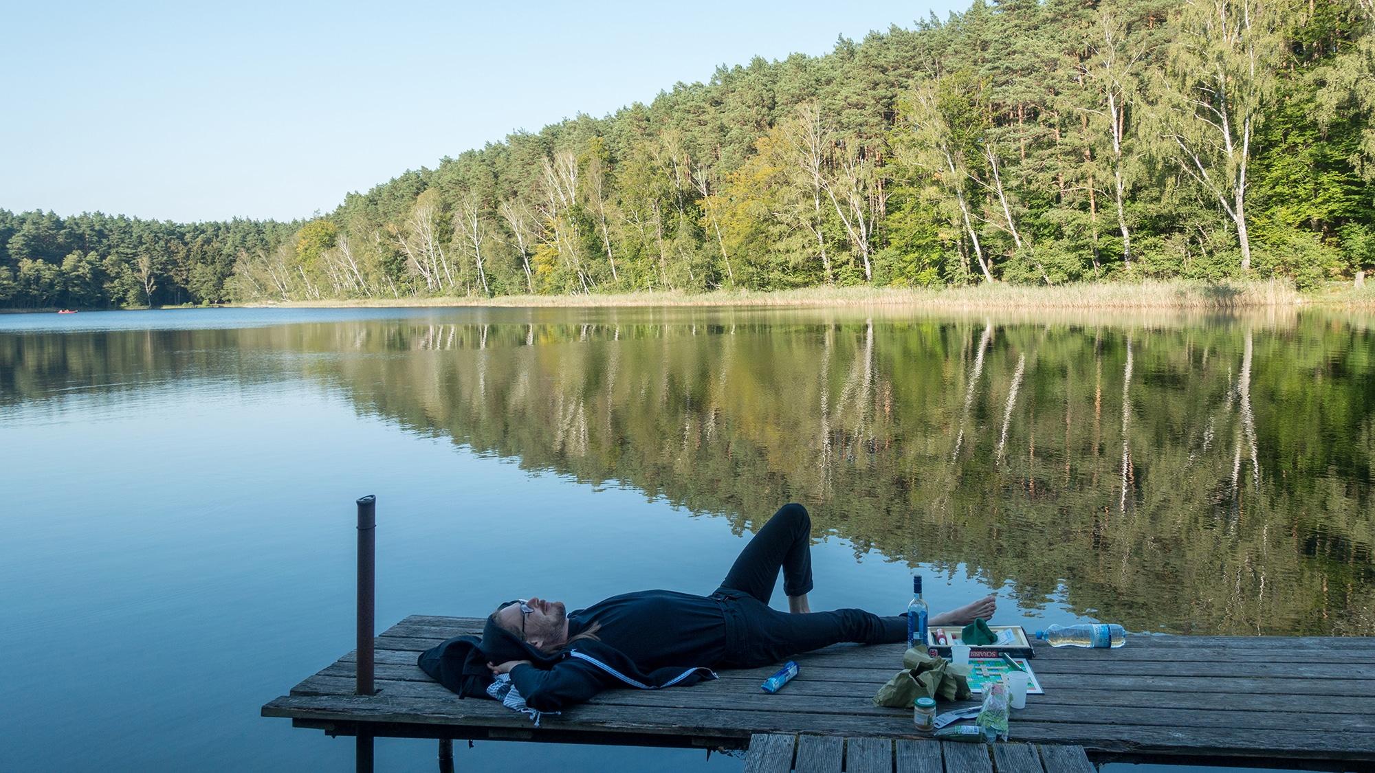 Waldsee, Weisswein und Picknick: Besser gehts nicht.