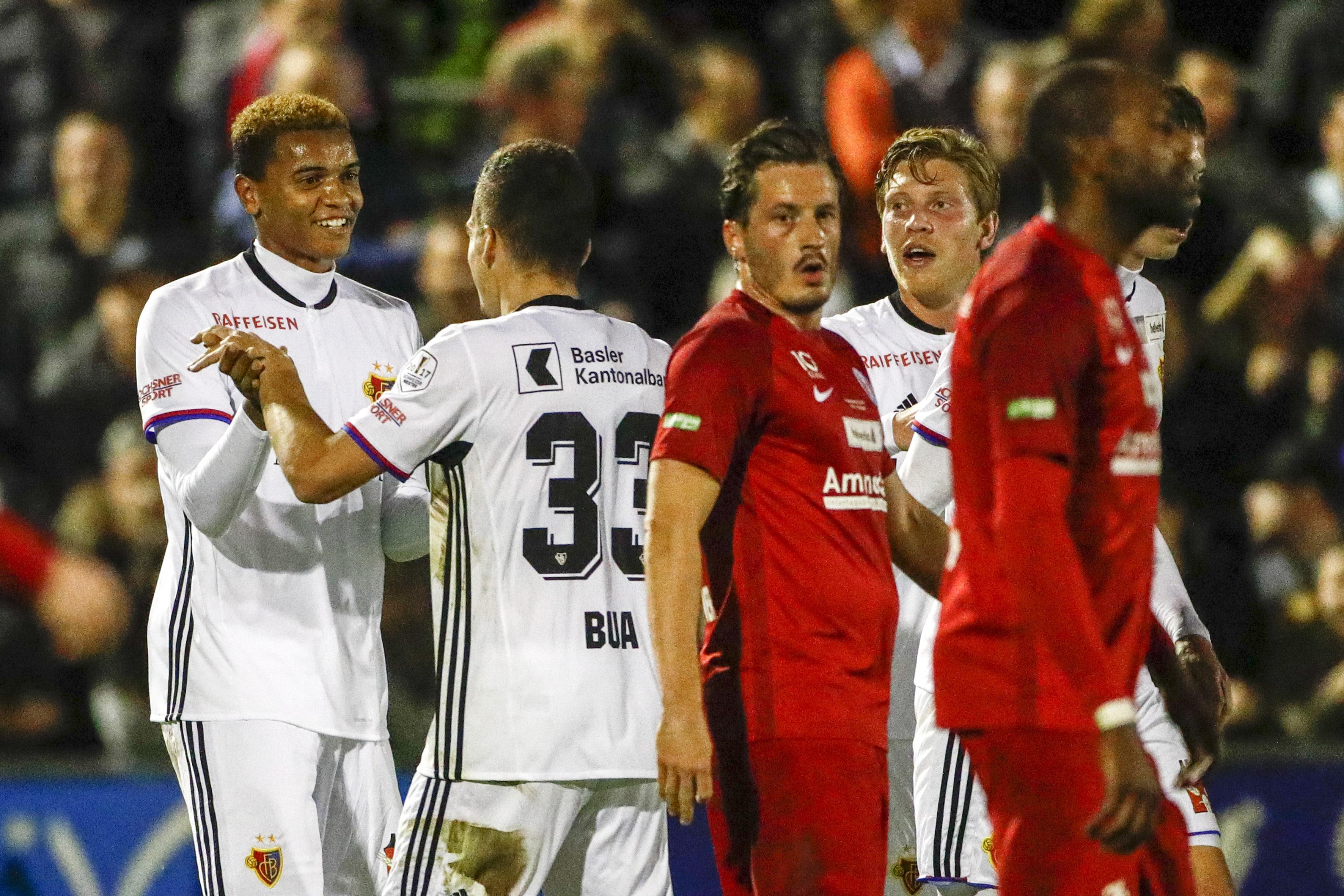 25.10.2017; Rapperswil; Fussball Schweizer Cup - FC Rapperswil-Jona - FC Basel; Jubel beim Torschuetzen zum 1:1 Manuel Akanj