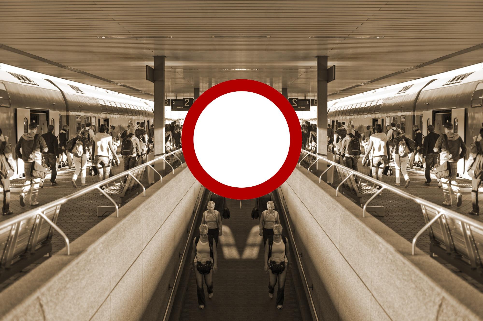 Reisende am Badischen Bahnhof in Basel . Der Bahnhof an der schweizerische-deutschen Grenze wird von vielen Grenzgaengern ben