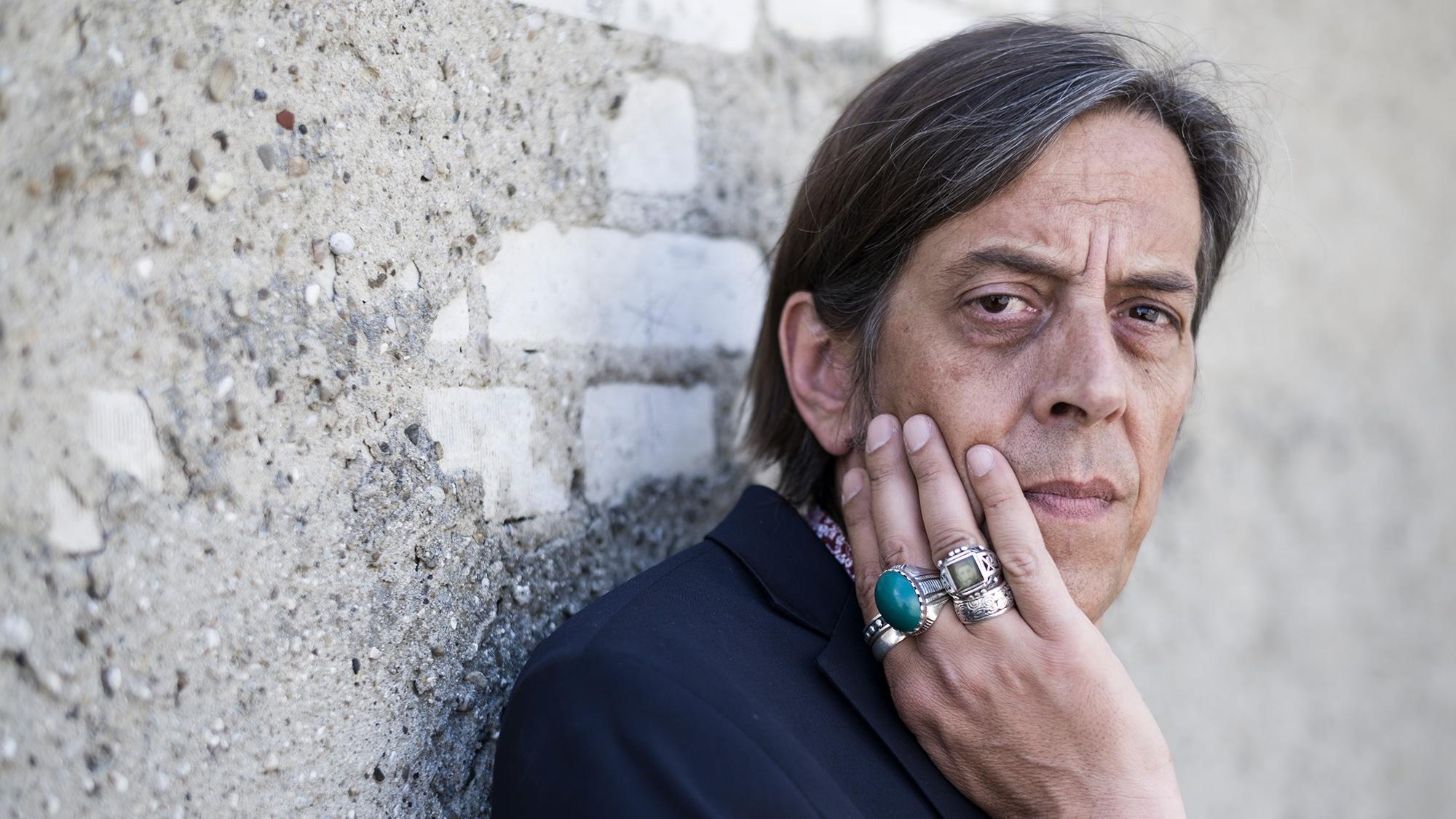 Der Langenthaler Schriftsteller und Dialektautor Pedro Lenz, am Montag, 6. Juni 2016 in Olten. (KEYSTONE/Alessandro della Val