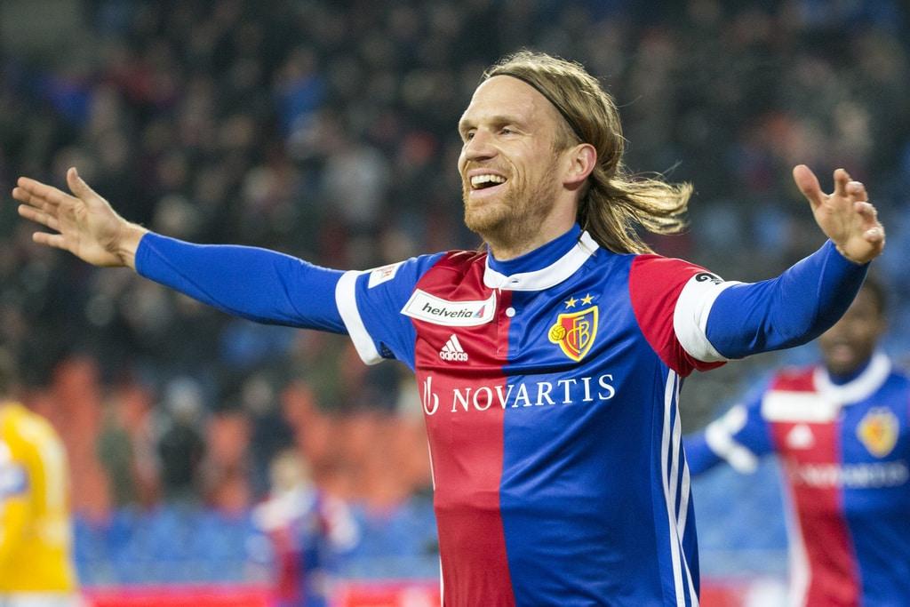 Basels Michael Lang jubelt ueber das 1-0, im Viertelfinal des Schweizer Cups zwischen dem FC Basel 1893 und dem FC Luzern, im