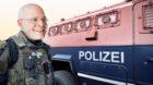 Da strahlt der Polizeidirektor: Baschi Dürr möchte für seine Truppe ein Panzerfahrzeug kaufen.