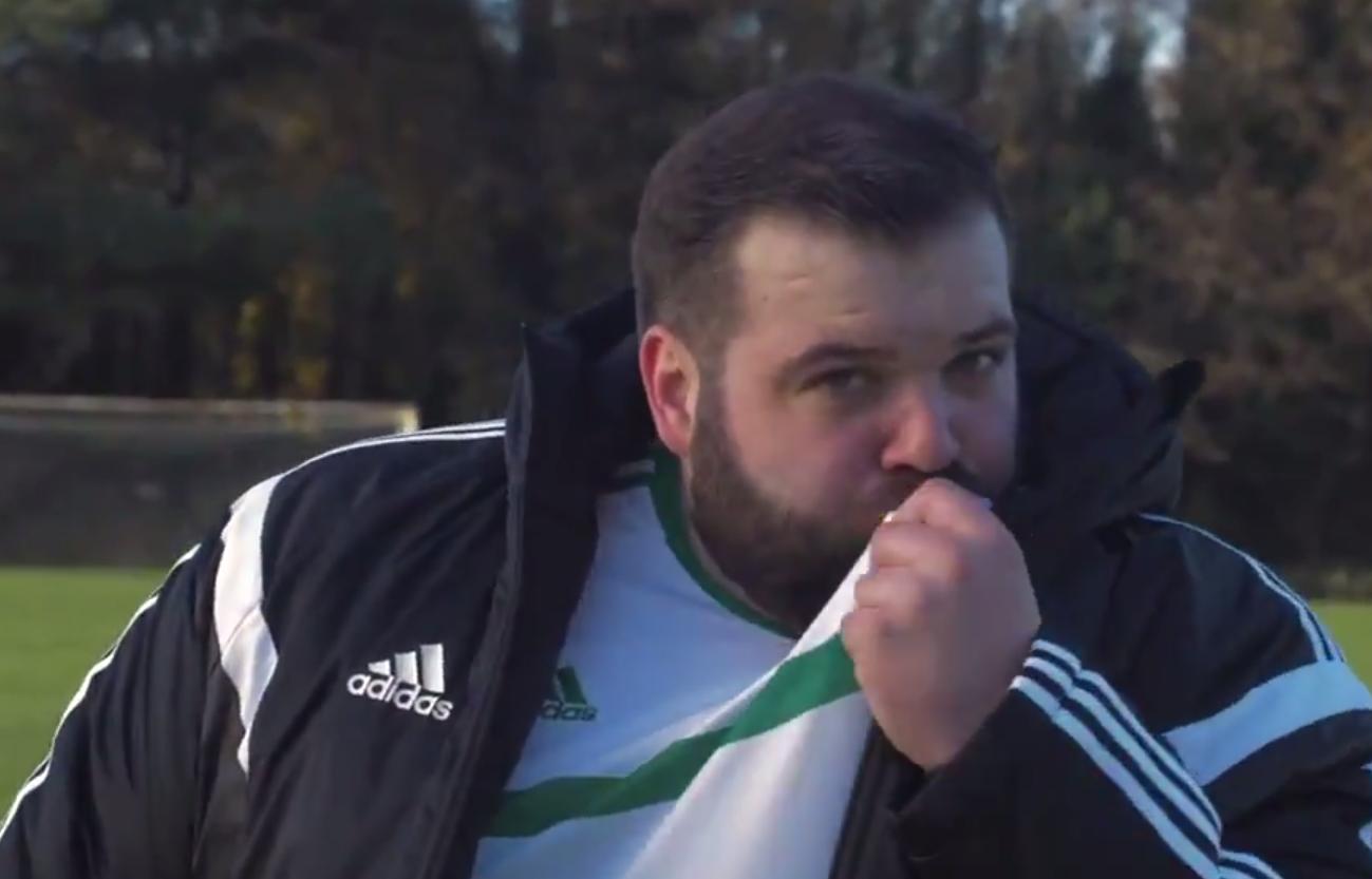 Dave Elliott mag Schweizer Schokolade – und das nordirische Nationalteam mindestens genauso.