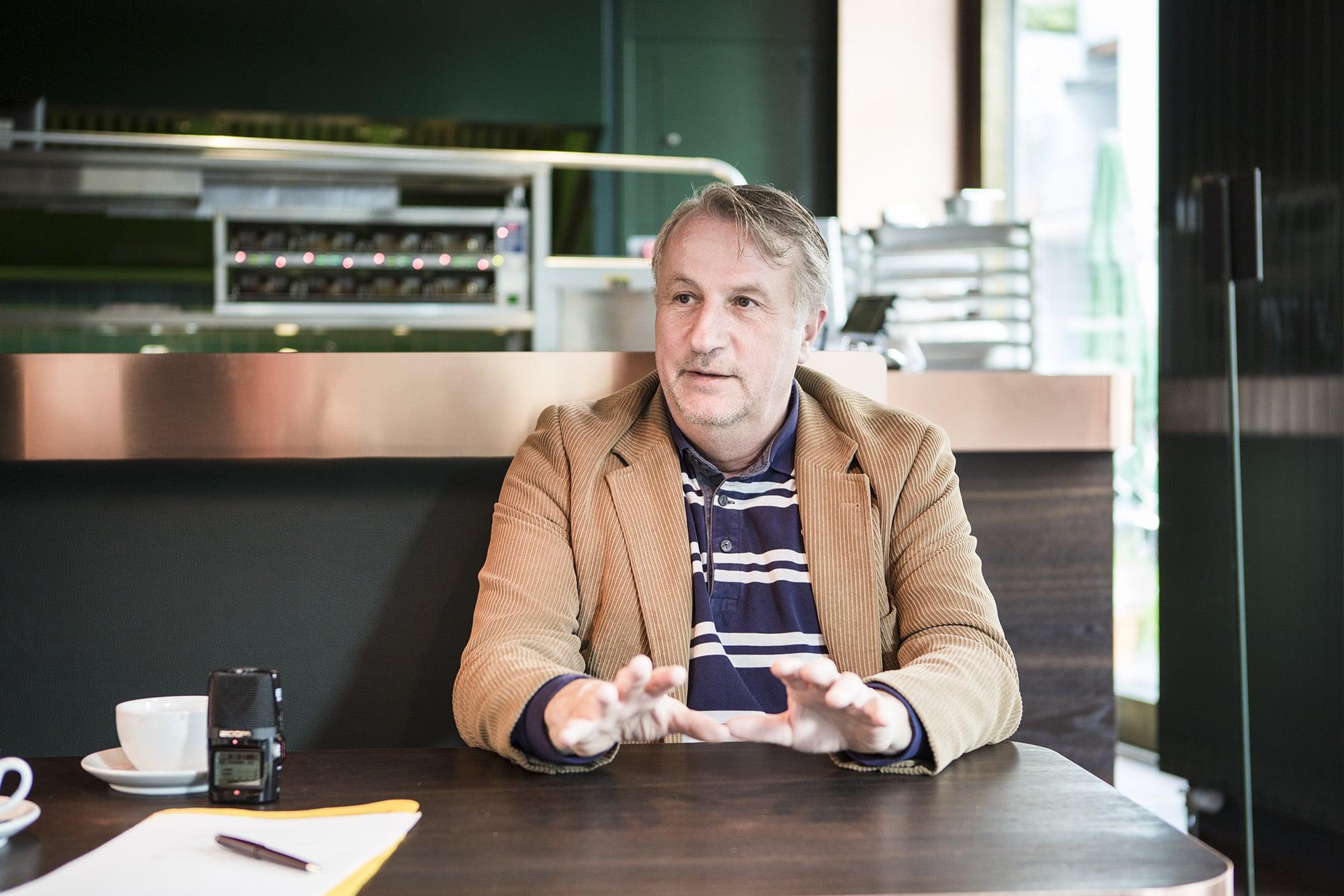 Jérôme Beurret baut sein Gastrounternehmen in Basel mit dem Klingeli aus.