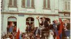 Bruno Michaud lässt sich nach dem Meistertitel 1970 beim Umzug durch die Stadt feiern.