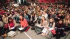Beim Europäischen Jugendtreffen von Taizé werden 15 000 junge Erwachsene aus ganz Europa erwartet.